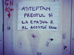 De Boboteaza la un bloc de langa Catedrala Sfinții Petru și Pavel din Constanța.